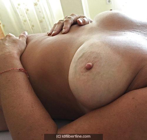 Lydia coquine gourmande de plaisirs sexuels
